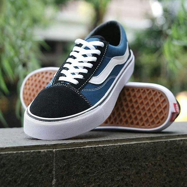 Sepatu Vans Oldskool Navy White Sneakers Casual Kado Pria Wanita Murah -  645137af55