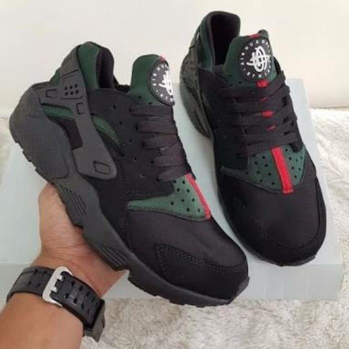 the best attitude 227b3 716df Jual SALE NIKE AIR HUARACHE X GUCCI CUSTOMS EDITION BLACK PREMIUM QUALITY -  DKI Jakarta - Lben Handmade shoes | Tokopedia