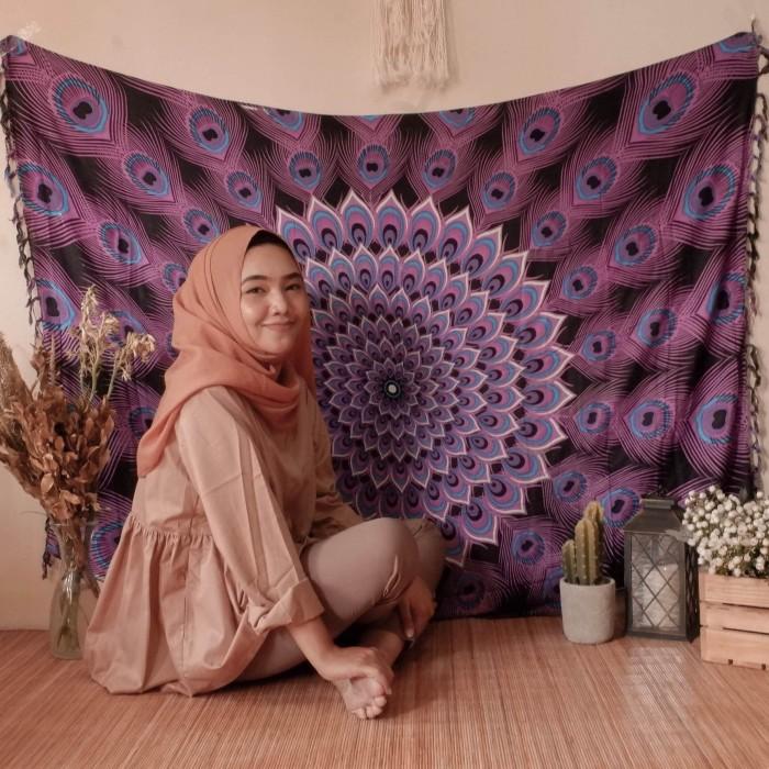 harga Mandala tapestry teratai bulu merak rayon berkwalitas kain pantai bali Tokopedia.com