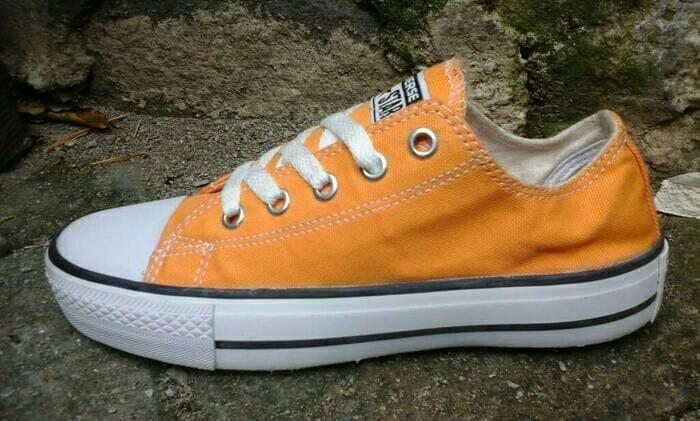 Jual  TERBARU  sepatu wanita pria converse pendek murah grosir ecer ... 2c7fddc5d6
