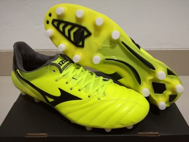 finest selection f3235 9d5f5 Jual Sepatu Bola Mizuno Morelia Neo II Leather Yellow - DKI Jakarta -  Ant_Sport | Tokopedia