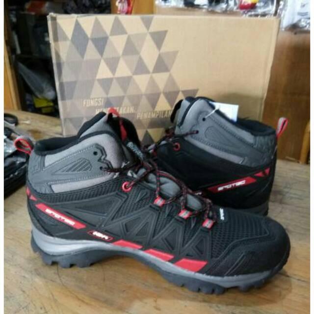 Info Sepatu Safety Rocky Travelbon.com