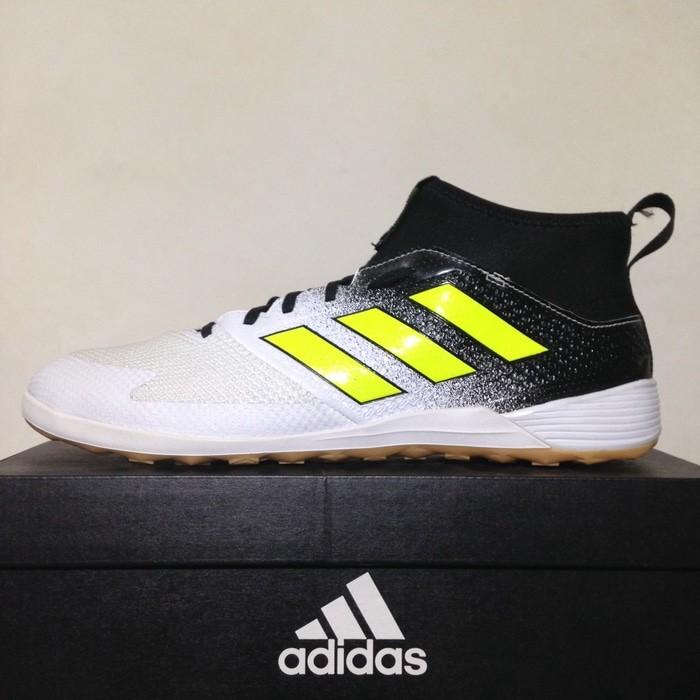 new product 380f5 f987f Jual Sepatu Futsal Adidas Ace Tango 17.3 IN White Black CG3707 Original -  DKI Jakarta - MaharazqaShop0034   Tokopedia