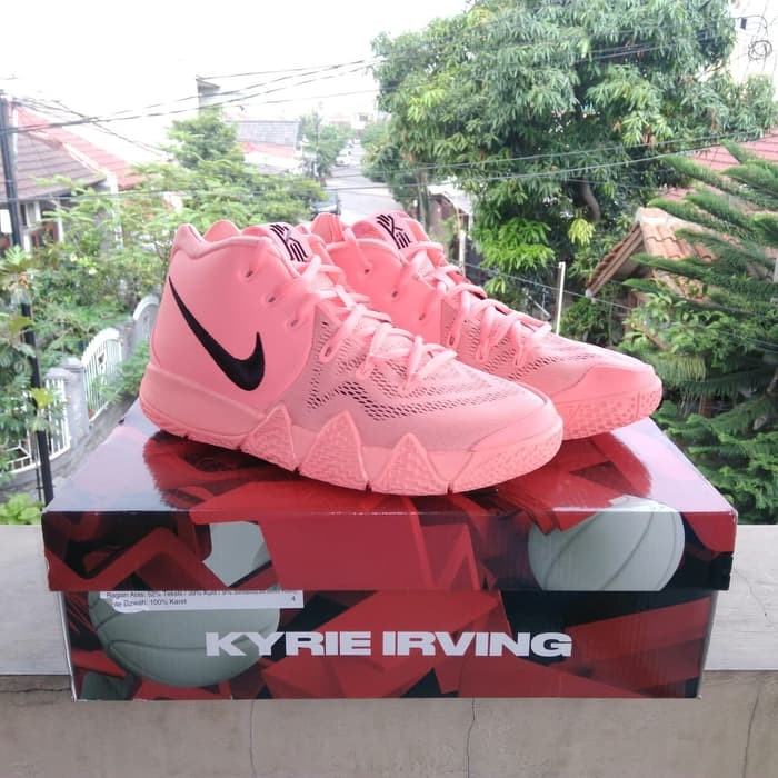brand new 9bfdc 372b3 Jual Sepatu basket Kyrie 4 (GS) Atomic Pink Original - Ajeng Shopingku    Tokopedia