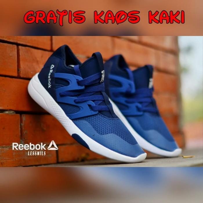 harga Sepatu kets sneakers sport pria reebok lesmills running men  Tokopedia.com ec88e86caf