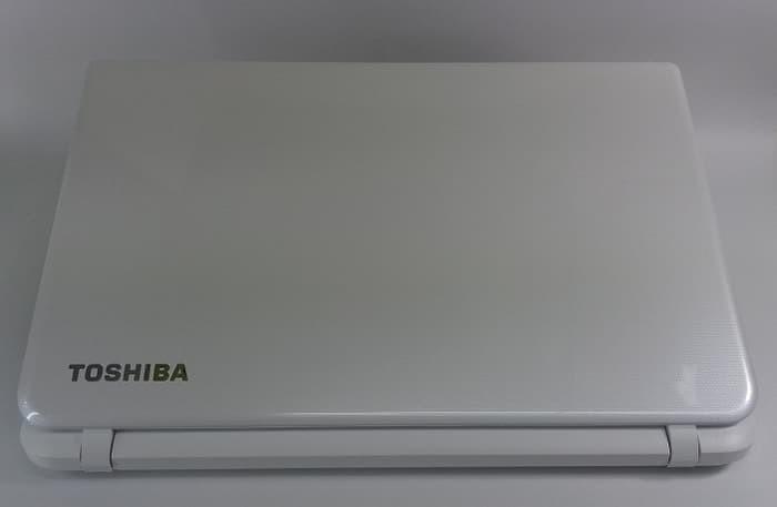 Jual Notebook Toshiba Core I3-4005 Harga Murah C55-B1044 White