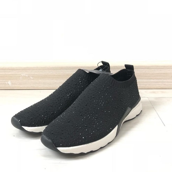 san francisco 718b4 8bda8 Jual Sepatu Sneakers Zara Original Not HNM Ultra Boost NMD Air Max -  Jakarta Selatan - The Sans | Tokopedia