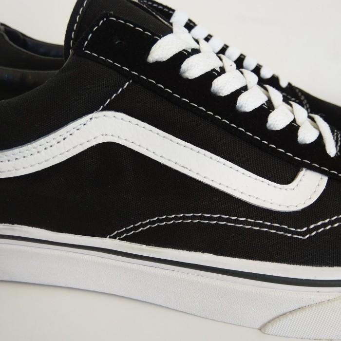 ff2f2e92e27 Jual Vans Old Skool Classic Original Black   White VN000D3HY28 ...