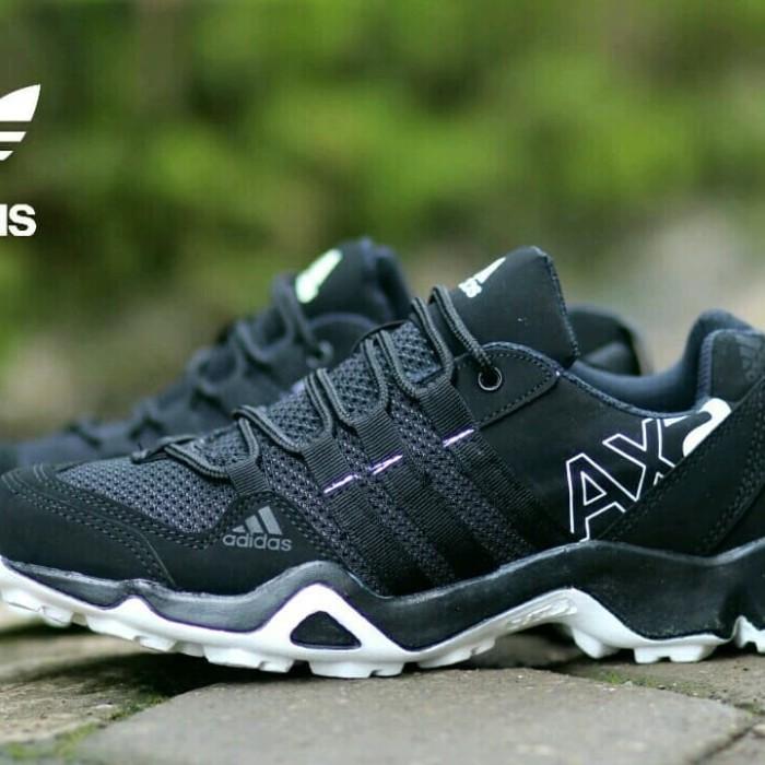 Jual Sepatu Sneakers Sport Pria Adidas Ax2 Goretex Man Keren Bagus ... 2cbad8ce12