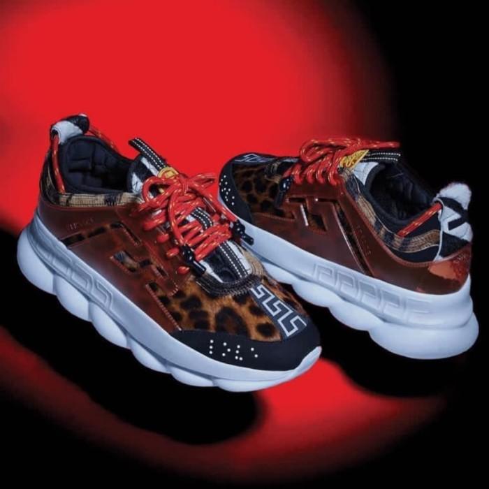 Sepatu versace x the chains reaction mirror quality x 493b95fe0c