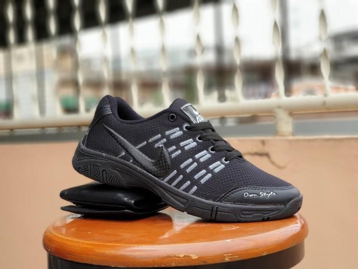 ... harga Sepatu olahraga nike airmax badminton fullblack   sepatu sekolah  Tokopedia.com 69a70bf24b