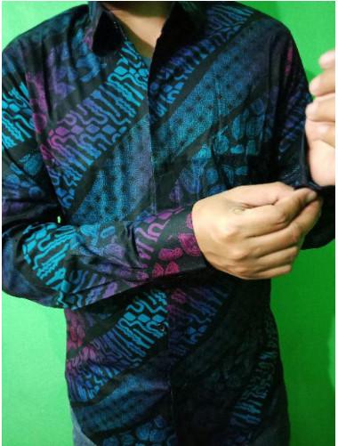 Baju Batik Pria Lengan panjang Gradation Slimfit Kemeja Batik Pria - Navy