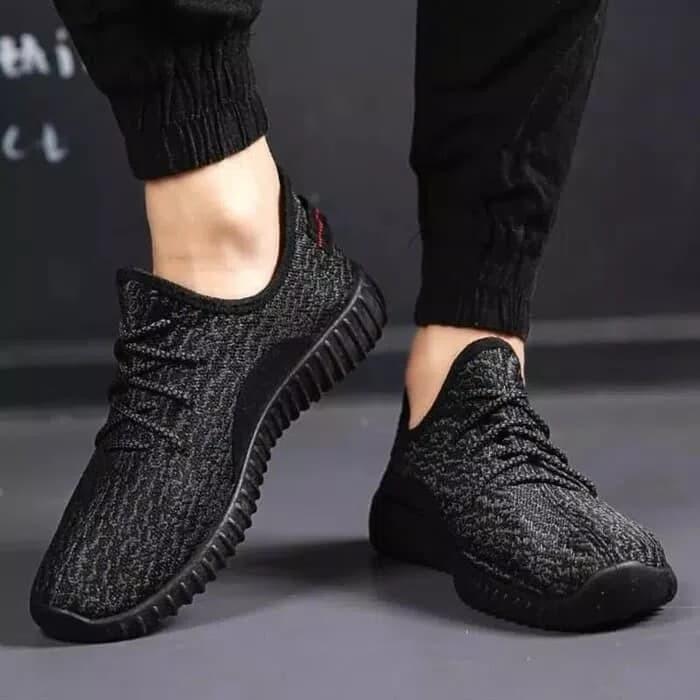 Jual Sepatu Adidas Yezzy Hitam/ Sepatu Yzy/ Sepatu Pria