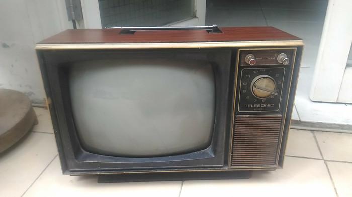 Jual Tv Jadul Vintage Antik Lawas Kuno Rare Langkah Dan Imoet Klasik