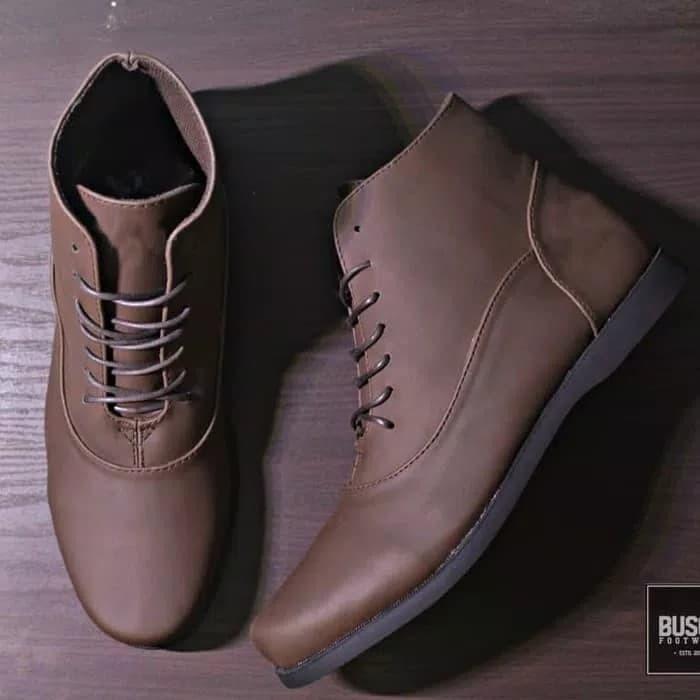 Jual Sepatu Pria BUSCH Brodo Razor Original Ftwr ... 1b8ca79a1d