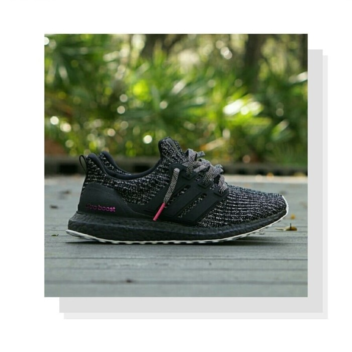 official photos 0682d bdebf Jual Sepatu Sneakers Adidas Ultra Boost 4.0 Breast Cancer Awareness -  WAROENG SNEAKERS | Tokopedia