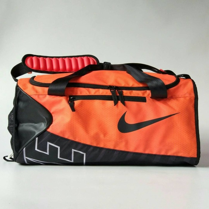 5e07584562d1 Update Harga Tas Olahraga Travel Bag Gym Bag Nike Original Water ...