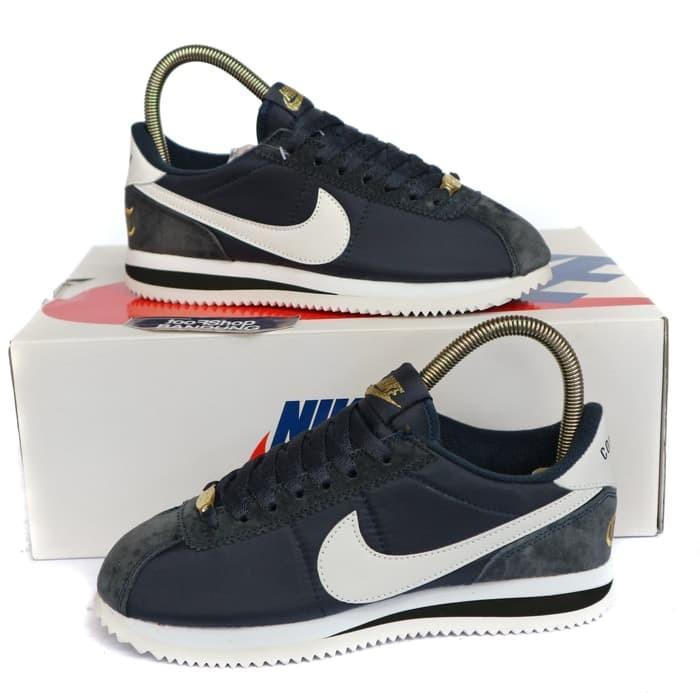 new style d3803 caf38 Jual Sneakers Nike Cortez Nylon x Compton Navy Premium BNIB 37-44 - Kota  Medan - toko_sepatuu | Tokopedia