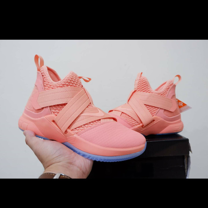 buy online 7580b 55caf Jual Lebron soldier 12 soft pink - Kota Batam - Dbasketballs House |  Tokopedia