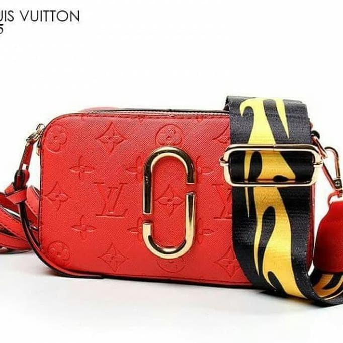 Terbaru N Terlaris Tas Selempang Wanita   Snapshot Louis Vuitton Small 8a116c45433e3