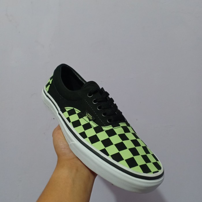 968c13e793d3 Jual Vans Era Checkerboard Glow In The Dark Original - Kota Depok ...