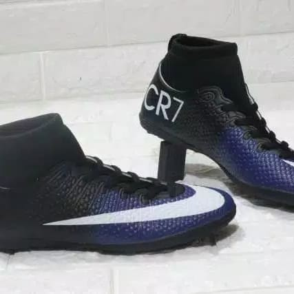 Nike CR7 Astro Boots in LE11 Charnwood for £ 15.00 for sale .