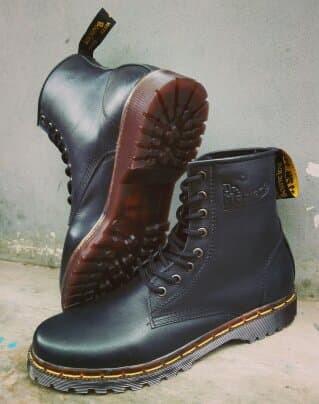 Foto Produk sepatu dockmart warna biru bahan kulit dari JACK JAYA Grosir