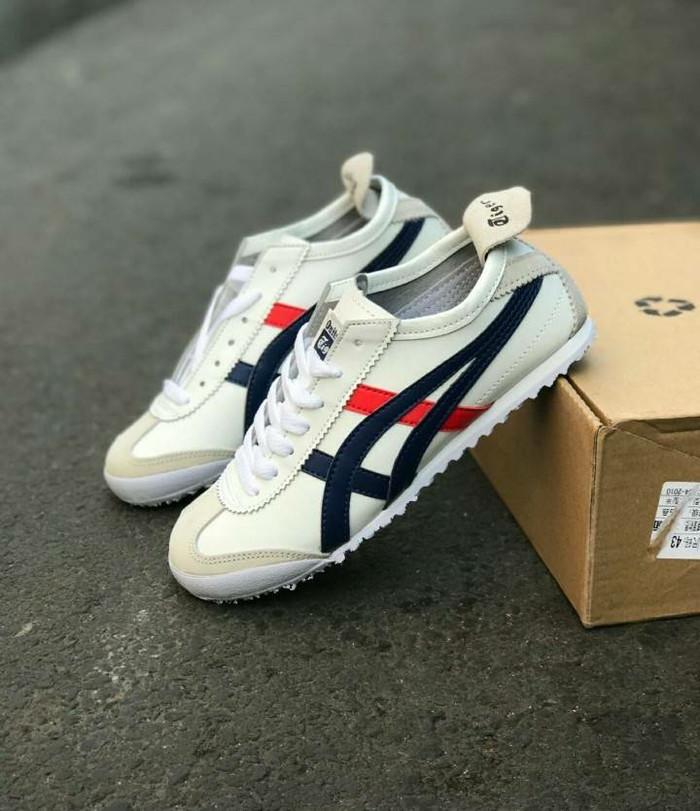 Jual Sepatu Sneakers Asics Onitsuka Tiger Mexico 66 Leather Cream ... 6ce0a0f39a
