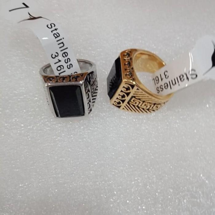 harga Cincin titanium pria ring motif kotak black onyx gold/silver Tokopedia.com