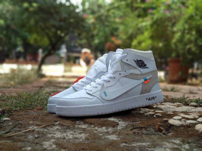 6998be2150b45a Update Harga Sepatu Basket Nike Air Jordan Retro X Off White   Putih ...