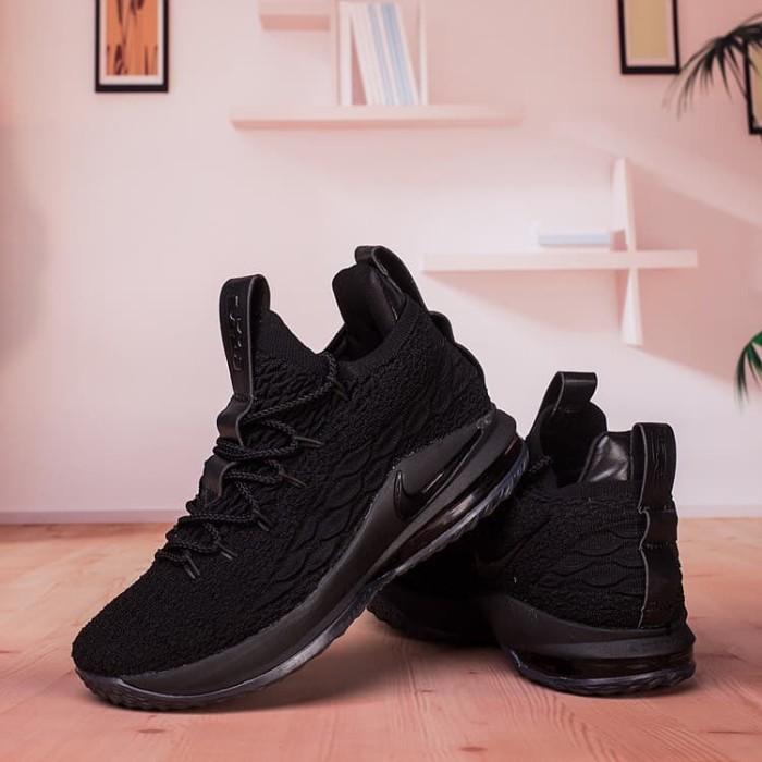 c9d9b253400c Jual Nike Lebron 15 Low Triple Black Sepatu Sneakers Basket Pria ...