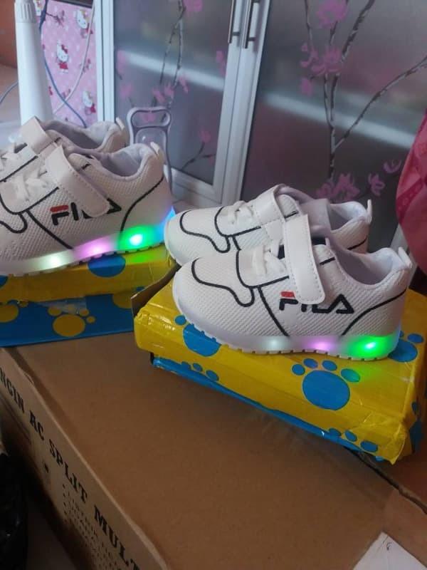 TERMURAH Sepatu Anak Led Merk FILA Untuk Anak Laki-Laki Dan Perempuan f5c41019d7