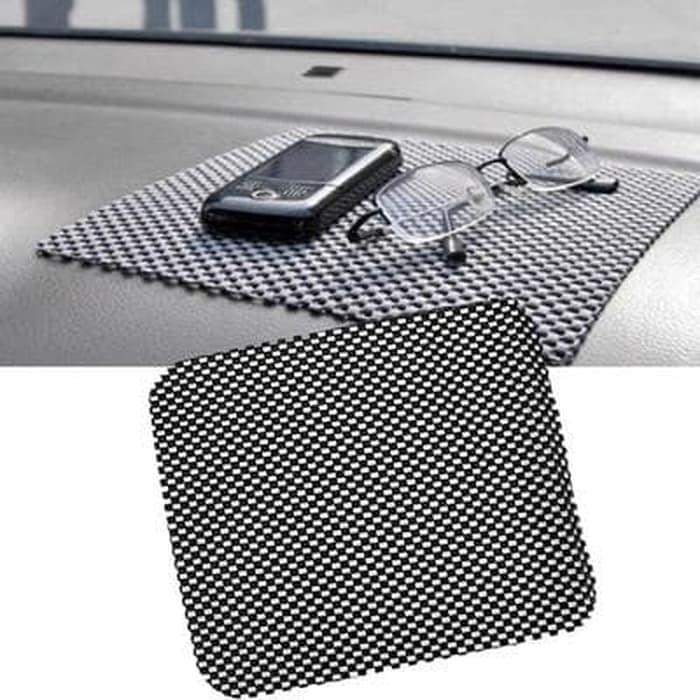 Foto Produk Taplak Karpet Anti Slip Mat Licin Tatakan Dashboard Mobil Car 20x21 CM dari lbagstore