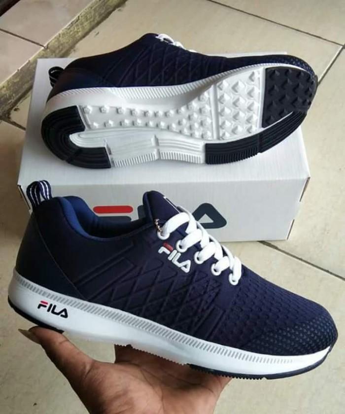 Sepatu Fila Pria Grade Ori   Sepatu Cowok Fila Olahraga Navy White 95822fd25d