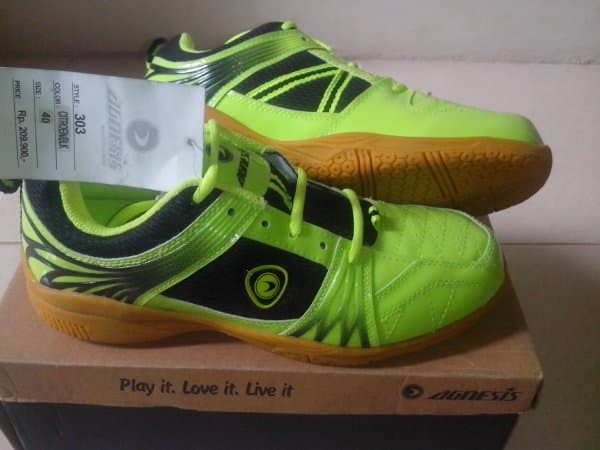 Sepatu badminton Agnesis
