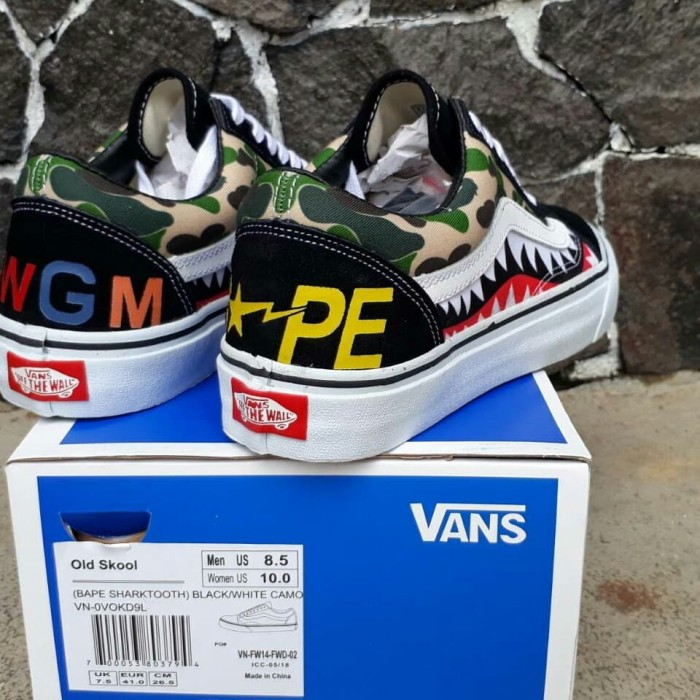 378651082d7b3 Sepatu Sneakers Skate Import Pria Vans Old Skool Bape Shark Tooth Camo - ,
