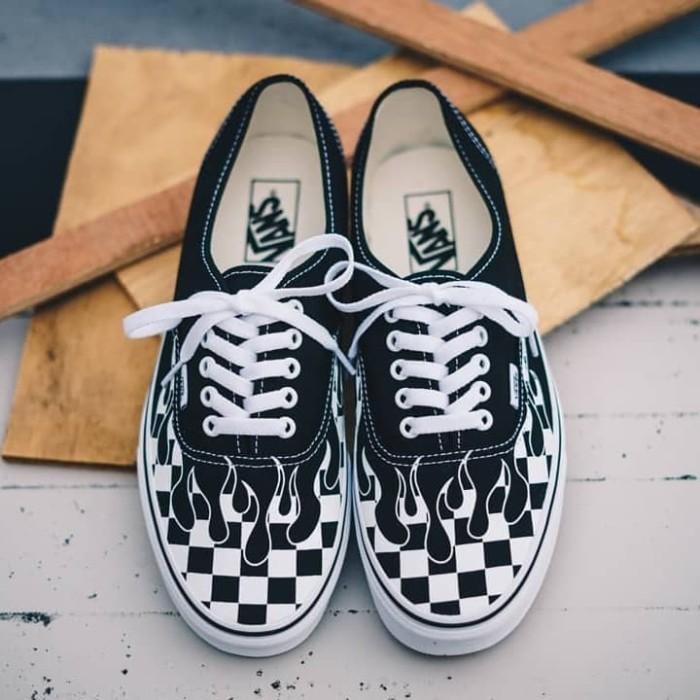 be648c14b3 Jual Sepatu Vans Authentic Flame Checkerboard Black White Original BNIB! -  Kota Tangerang - Toko Adidas Original | Tokopedia