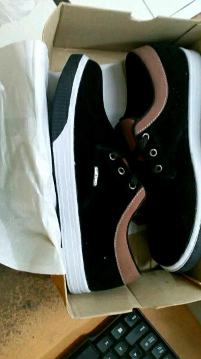 Jual Sepatu Sneakers Pria Sepatu Distro Sepatu Casual Catenzo Tf 105 ... ce406a49ce