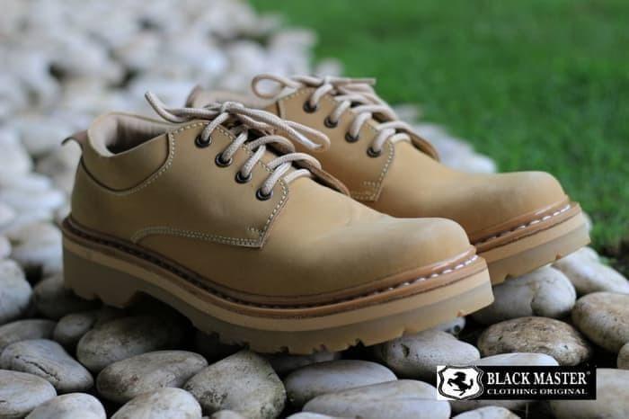 Jual Sepatu Boots Pendek Pria Kerja Show Tour Black Master Kulit ... 0296f39810