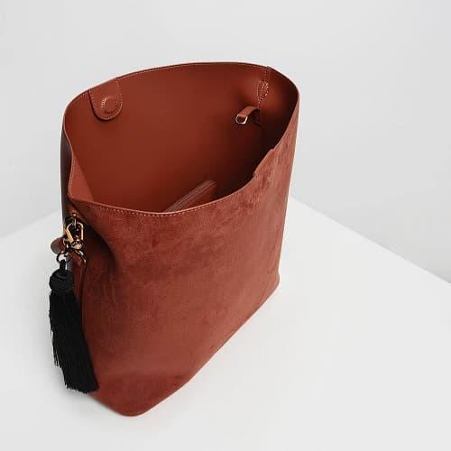 3bc286262d NZS6031 Tas Fashion wanita CK Tassel Detail Oversized Bucket Bag - Hitam