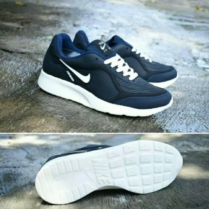 0424f1df46fd Jual Sepatu Nike Airmax Running Pria Wanita   Nike Jogging Sneakers ...
