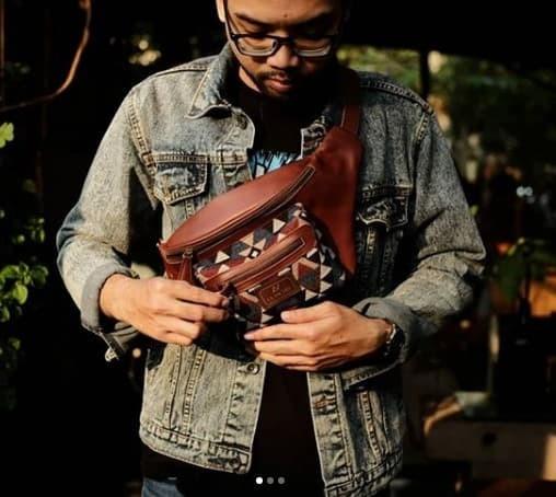 Foto Produk Waistbag Etnik Kulit Asli - Umbara Waistbag - Cokelat dari Tas Kamera Kulit