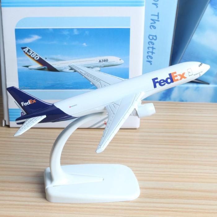 FedEx Express Airbus A380 Airplane 16cm DieCast Plane Model