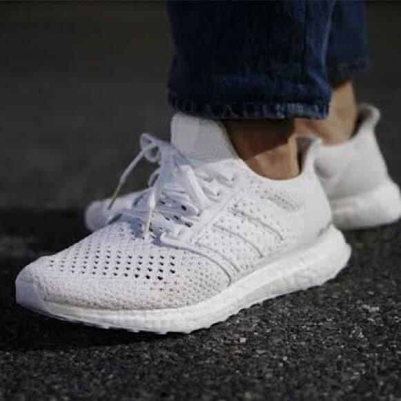 68c5ac1676d Jual Adidas Ultra Boost Clima Triple White Sepatu Sneakers Jalan ...
