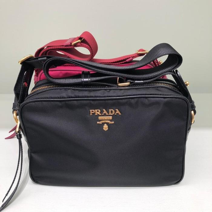 a392309b22b9 Jual prada camera bag nylon - DKI Jakarta - Jastip by NadNidNud ...