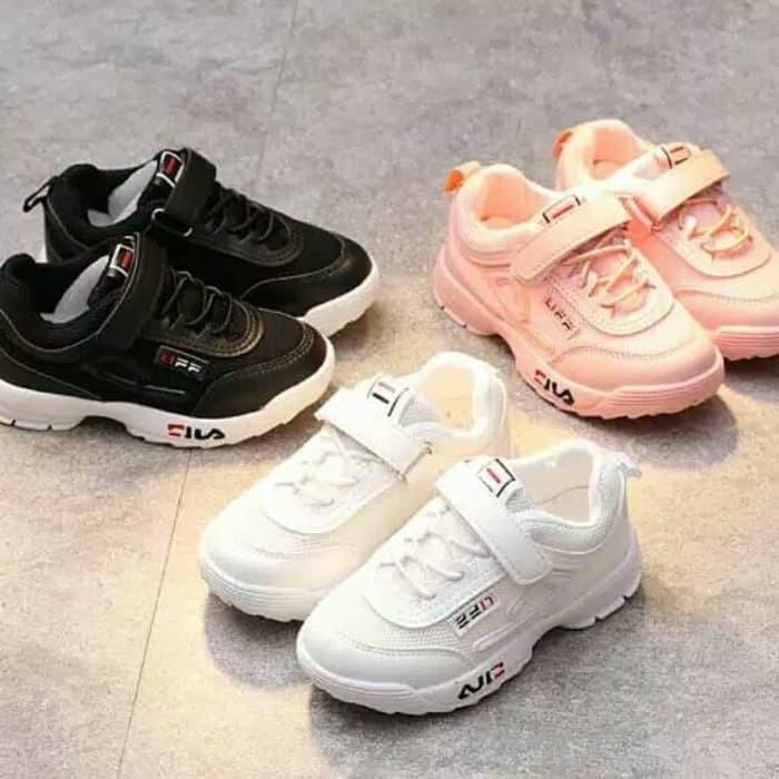 Sepatu anak sport sekolah merk FILA untuk anak laki-laki dan perempuan 286956e858