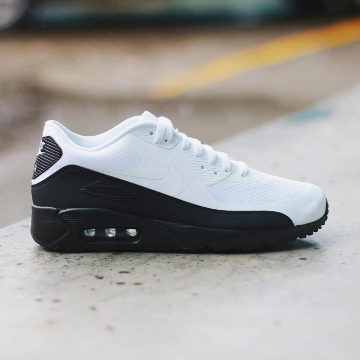"separation shoes 7e259 fb02a Jual NIKE AIR MAX 90 ULTRA 2.0 ESSENTIAL ""WHITE/BLACK"" BNIB - Kota Depok -  INESTA SHOES | Tokopedia"
