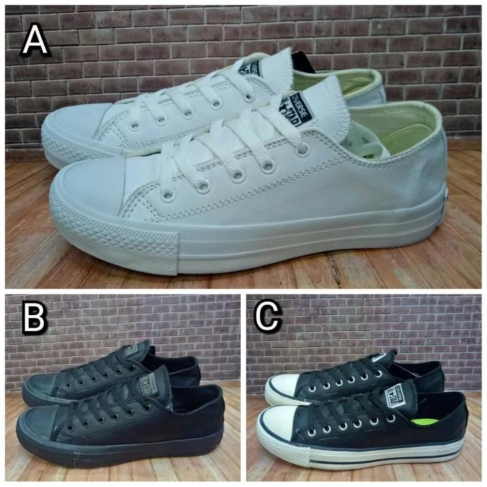 ... harga Sepatu converse all star kulit low 37-43 converse leather white  Tokopedia.com 1a32945f7f
