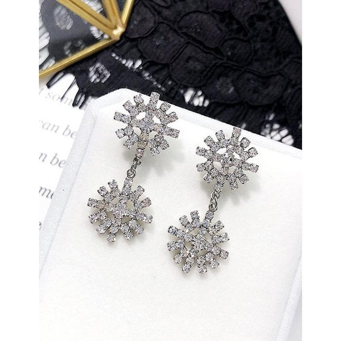 LRC Anting Tusuk Fashion Diamond Decorated Hollow Out Murah