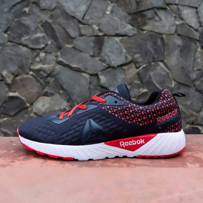 Jual sepatu baru Rebook Zpump Fusion import vietnam sneaker skate ... 8c6b12f496